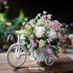 Lindos Diy Diwali Decorations, Flower Decorations, Wedding Decorations, Creative Flower Arrangements, Floral Arrangements, Deco Floral, Floral Design, Shabby Chic Crafts, Flower Boxes