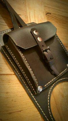 BMW K series leather tank belt and documents bag Cafe Racer and Scrambler. Leather Buckle, Leather Bags, Motorcycle Leather, Scrambler, Leather Craft, Hand Sewing, Vintage Items, Bmw, Wallet
