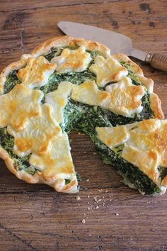 A delicious Italian Savory Pie Recipe, made with Ricotta, Spinach and Parmesan Cheese. Get your greens easily with this perfect healthy comfort food dinner or appetizer. | anitalianinmykitchen.com #pie #spinach #ricotta #italian Spinach Ricotta Pie, Ricotta Torte, Frozen Spinach, Best Italian Recipes, Favorite Recipes, Pie Recipes, Cooking Recipes, Savory Pie Recipe, Parmesan