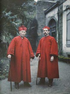 Autochrome Photo - France: Brittany, a pair of Chasse-Gueux, lawyers appointed by the church to round up vagrants, stand outside Cathedral St.-Paul-Aurélien in St.-Pol-de-Léon.