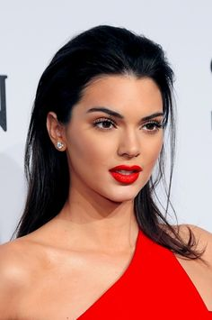 http://amongthenarcissi.com/wp-content/uploads/2015/02/Kendall-Jenner-red-lipstick.jpg