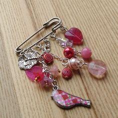 Pink Heart and Bird Bead Kilt Pin Brooch £6.00