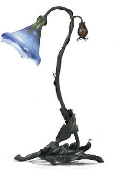 """Emile GALLE (1846-1904) Lampe-fleur """" Belle de jour """", circa 1900"""