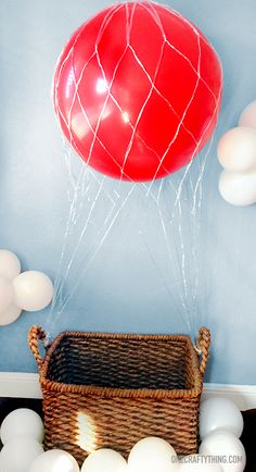 Hot Air Balloon Photobooth & Party Details #kids #children #birthday