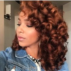 """naturalhairqueens: """"love her hair color wow """" Love Hair, Big Hair, Gorgeous Hair, Crazy Curly Hair, Cabello Afro Natural, Pelo Natural, Weave Hairstyles, Pretty Hairstyles, Black Hairstyles"""