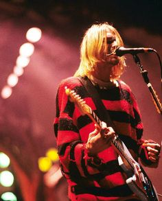 Kurt Cobain on stage - Nirvana