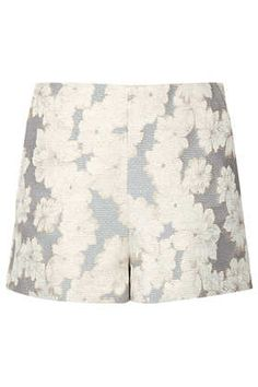 Gold Roses High Waist Shorts by Topshop High Rise Shorts, High Waisted Shorts, Short Outfits, Cute Outfits, Sporty Trends, Bloom Fashion, Smart Shorts, High Street Fashion, Topshop Shorts