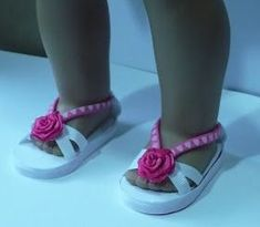 Hello, I took a break from crocheting and made this adorable shoes for Faye American Girl doll. It took me a few hours just to make the ...