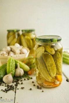Korniszony - zalewa - Gotowanie i pieczenie - I love it . Polish Recipes, Polish Food, Preserves, Pickles, Cucumber, Food Photography, Menu, Healthy Recipes, Healthy Food