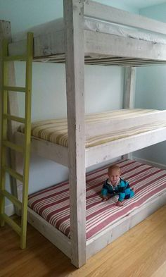"""40 Cute Triple Bunk Bed Design Ideas For Kids Rooms To Have - Many of us who grew up in the """"old days"""" have very fond memories of life in bunk beds. Whether you shared your room with your brother or sister or fir. Modern Bunk Beds, Cool Bunk Beds, Bunk Beds With Stairs, Kids Bunk Beds, Bed Rails, Sharing Bed, Bunk Bed Plans, Diy Bett, Bunk Rooms"""