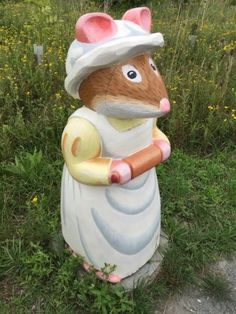 Mrs Crustybread - part of the Brambly Hedge Nature Trail Wooden Carving Collection at Abberton Reservoir