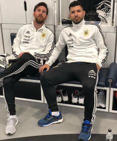 Besties Messi 10, Lionel Messi, Messi And Neymar, Fc Barcelona, Barcelona Football, God Of Football, Football Memes, Football Stuff, Argentina Fc