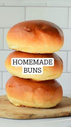 Fun Baking Recipes, Cooking Recipes, Easy Bread Recipes, Homemade Buns, Homeade Bread, Homemade Sandwich Bread, Homemade Food, Dinner Rolls Recipe, Homemade Dinner Rolls