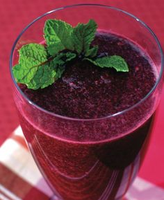 Juiced Jewels Smoothie Bright gems of flavor are blended in a powerhouse of goodness using the Ninja Ultima!   Ingredients:  1 small beet, peeled, cut in chunks ½ carrot, cut in half 1 apple, cored ½ cup spinach, tightly packed 2 tsp. fresh lemon juice 1 cup water 4-6 ice cubes  Directions:  Place all ingredients in the Pitcher and blend on 2 for 5 seconds. Increase the speed to 3 and blend until very smooth. Serve at once. Serves 2.