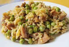 Csirkezúzás rice with peas Croatian Recipes, Hungarian Recipes, Italian Recipes, Meat Recipes, Chicken Recipes, Cooking Recipes, Healthy Recipes, European Cuisine, Food 52