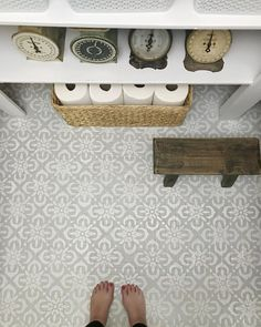 how to paint stencil floors on ANY floor type: linoleum, ceramic tile, porclain tile, vinyl, hardwood floors and more! Diy Flooring, Painted Floors, Bathroom Floor Tiles, Painting Ceramic Tile Floor, Rustoleum Floor Paint, Stenciled Floor, Flooring, Types Of Flooring, Tile Floor Diy