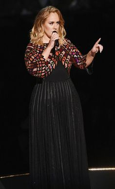 Adele performing 'Hello' at the 'Grammy 2017'