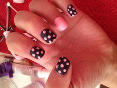 Nails pink and gray
