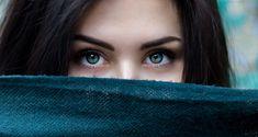 Per un make up perfetto, ma non solo, è risaputa l'importanza che le sopracciglia ricoprono nel creare la giusta armonia nel viso. Il trucco per sopracciglia è quell'aspetto che non puoi trascurare per essere sempre in ordine e impeccabile. Sobre Libra, Eye Pictures, Face Mapping, Healthy Eyes, Puffy Eyes, Dark Circles, Cool Eyes, Eyelash Extensions, Introvert