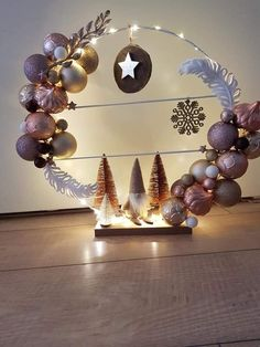 Diy Christmas Decorations Easy, Christmas Projects, Holiday Crafts, Christmas Wreaths, Christmas Ornaments, Christmas Arrangements, Christmas Centerpieces, Christmas Wishes, Christmas Time