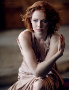 Emily-Beecham-sexy-hot-Into-the-Badlands-The-Widow-emily-beecham