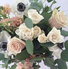 This arrangement was soft and beautiful! #wedgewoodwedding #wwbouldercreek…
