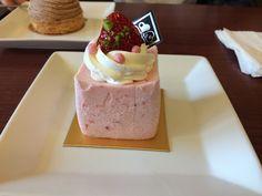 Strawberry Yogurt cake@North Point