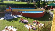 En la piscina del Camping La Rasa