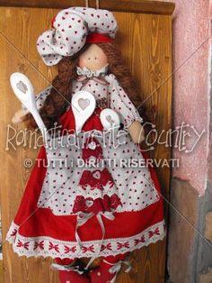http://www.romanticamentecountry.it/bambole/dettaglio/Le_Martine___il_Portacucchiai__-267.html