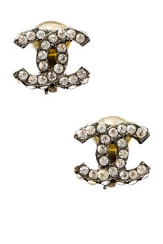 vintage Chanel earrings <3 Had a similar pair and my daughter lost them.