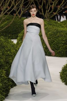 Dior Haute Couture Spring-Summer 2013 – Look 1: Blue and black silk evening dress. Discover more on www.dior.com #Dior#PFW #fashion