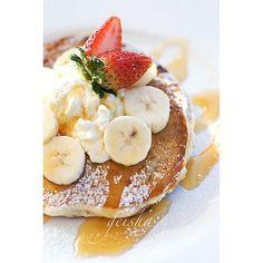 https://flic.kr/p/6cYryP | banana, ricotta & honey pancakes...