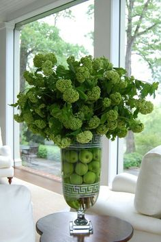 Flower centerpiece for the home