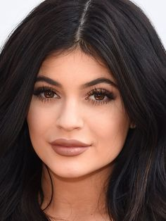 Look like Kylie Jenner in minutes with this makeup routine