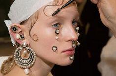 Givenchy - украшения для лица