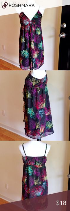 """Gap Flowy ruffled sundress Size S Ruffled detail  Length 35"""" Armpit to armpit 14"""" 100% polyester Fully lined - No stretch  Great condition!! GAP Dresses"""