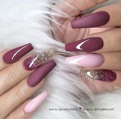46 elegant acrylic ombre burgundy coffin nails design for short and long nails -. - 46 elegant acrylic ombre burgundy coffin nails design for short and long nails – – - Mauve Nails, Burgundy Nails, Glitter Nails, Ombre Burgundy, Glitter Art, Pink Glitter, Golden Glitter, Magenta Nails, Burgundy Nail Designs