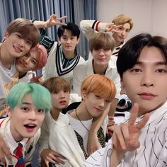 jaehyun and johnny with nct dream Nct 127, Nct Johnny, Johnny Seo, Winwin, Taeyong, Jaehyun, Nct Group, Images Gif, Fandoms