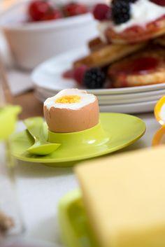 Eierbecher und Eierlöffel in der Farbe lime für Ihren Frühstückstisch