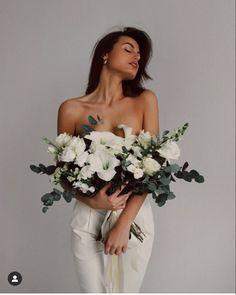 Studio Photography Poses, Creative Photography, Portrait Photography, Fashion Photography, Creative Photoshoot Ideas, Photoshoot Themes, Photoshoot Inspiration, Best Photo Poses, Girl Photo Shoots