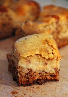 Jo and Sue: Banana Bread Cheesecake Bars (Banana Earthquake Cake) No Bake Desserts, Just Desserts, Delicious Desserts, Dessert Recipes, Yummy Food, Snack Recipes, Cooking Recipes, Snacks, Sweet Bar