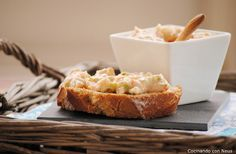Paté de surimi y gambas (Thermomix) No Cook Appetizers, Mini Sandwiches, Starters, Pudding, Favorite Recipes, Cheese, Snacks, Cooking, Healthy