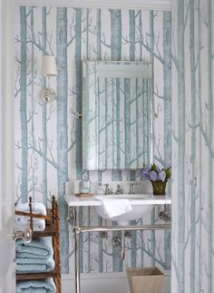 The puff on powder rooms - Enchanted BlogEnchanted Blog
