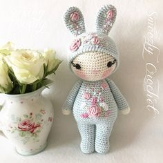 Used the nice weather, sat outside and finished this Spring Bunny. Crochet Doll Pattern, Crochet Bunny, Crochet Dolls, Crochet Patterns, Amigurumi Patterns, Amigurumi Doll, Doll Patterns, Doll Tutorial, Stuffed Toys Patterns