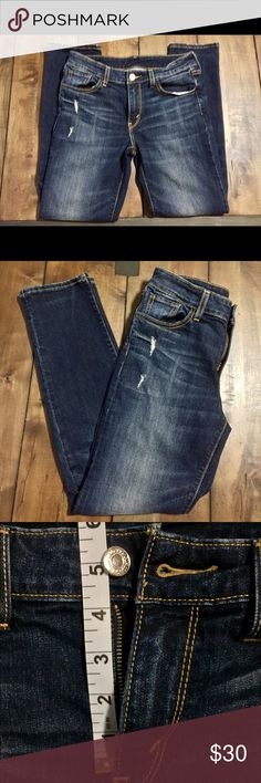 NWOT Levi's Distressed Ankle Skinny Jeans, size 28 Distressed skinny ankle Levi's, size 28. The perfect foundation for every outfit. These are a sample, so only branding is found on fly button. Levi's Jeans Ankle & Cropped