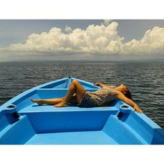 All you need is a relaxing boat ride in Golfo Dulce! 🌊  Photo credits: @kynthi_aizkibel