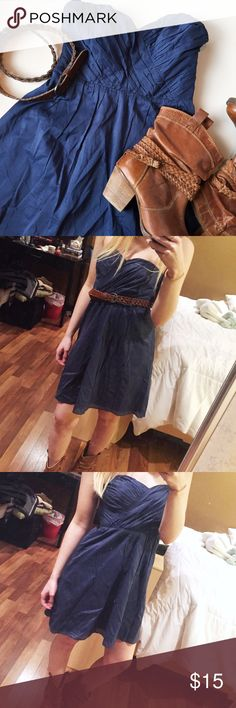 """Express Strapless Mini Dress Excellent condition! Only flaw is it's missing original belt that came with it, but it has belt loops so you can pair with any belt you have! Faded navy blue color perfect for spring! 🌸 Sweetheart neckline with pleated detailing along top, light and flowy perfect for dressing up or dressing down. Dress is 26"""" in length from underarm, side zipper is 14"""" and has hook and eye closure. Lining is 96% polyester, 4% spandex, exterior is 100% cotton Express Dresses Mini"""