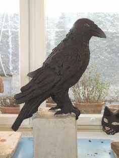 """Raven made of Clay within the """"animals in clay"""" workshop held by Andreas Hinder"""