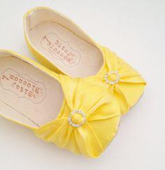 Baby Shoes Girl Shoes Toddler Girl Shoes Soft Sole par BitsyBlossom, $42.00