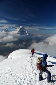 Oh man oh man oh man oh man I gotta go #Climbers ascending Nevado Pisco, Cordillera Blanca region.